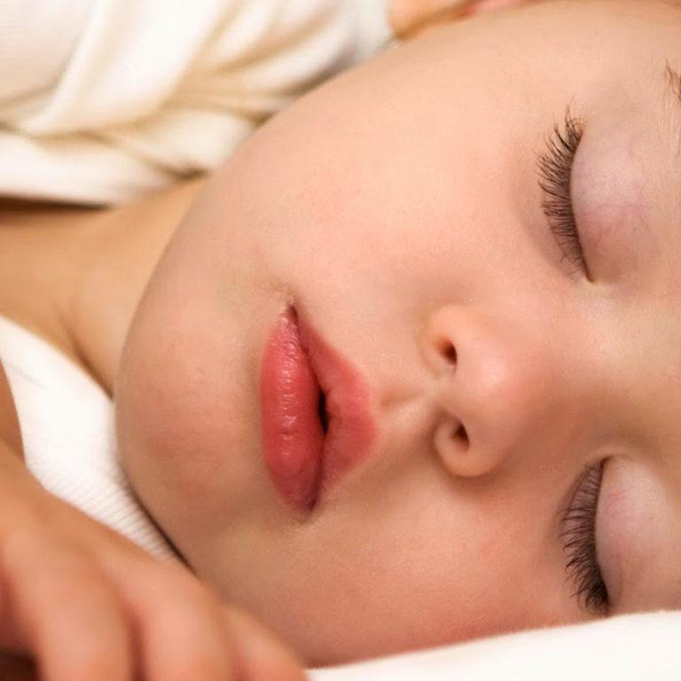¿Cómo debe dormir un niño?