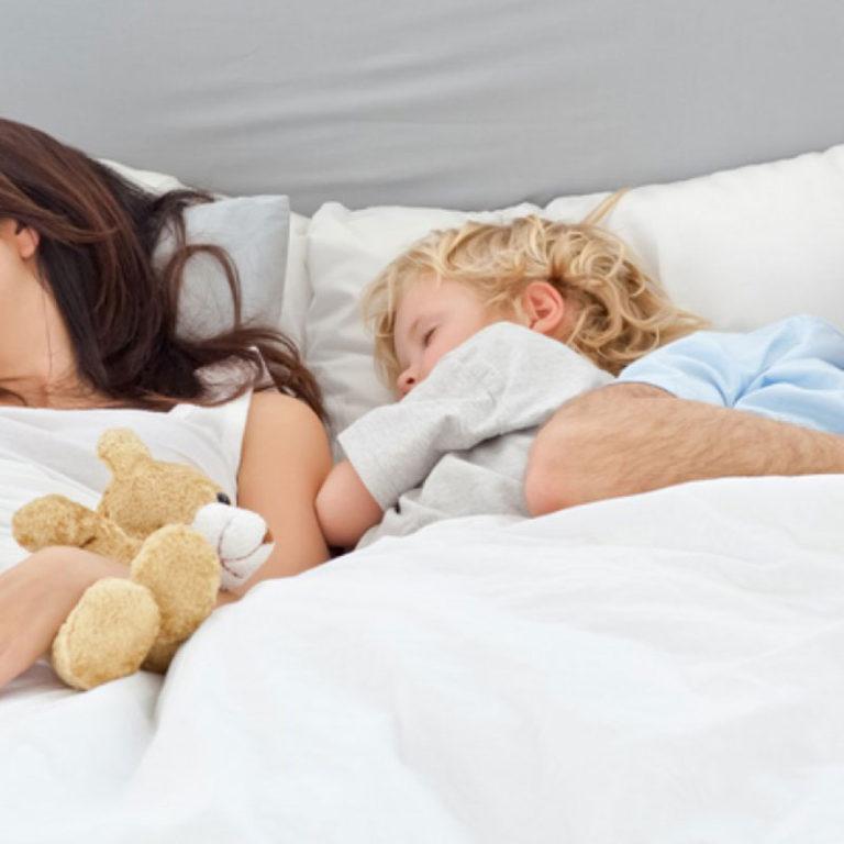 Consigue que tu hijo duerma solo en su cama