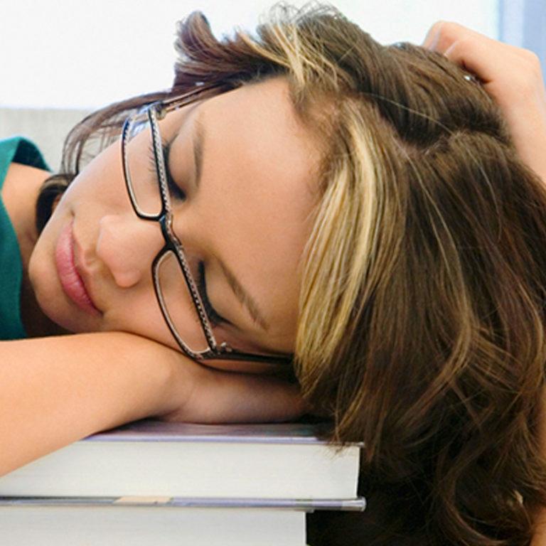 Perder media hora de sueño afecta al peso y al metabolismo