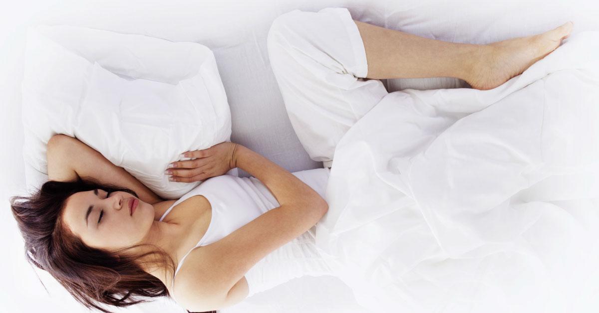 ¿Es correcta la postura que adoptas para dormir?